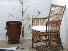 Плетеные стулья, табуреты